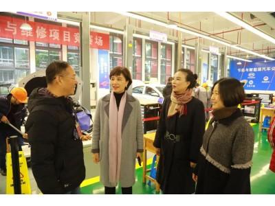 重庆市第十二届中等职业学校技能大赛——交通运输类与新能源汽车检测与维修赛项在我校举行
