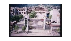 贵州省龙里中学