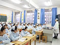 四川卫校学费一年大概多少