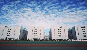 贵州经贸职业学校