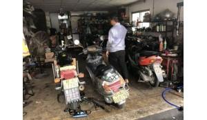 摩托车维修